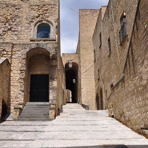 Castell dell Ovo Napoli e le sue torri