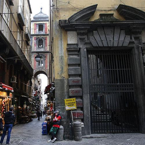 Centro Antico visita guidata via SAn Gregorio Armenoa