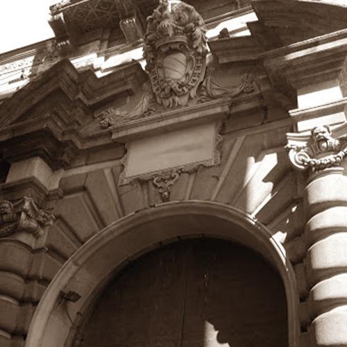 Piazza-San-Domenico-Maggiore-02_palazzo_sansevero