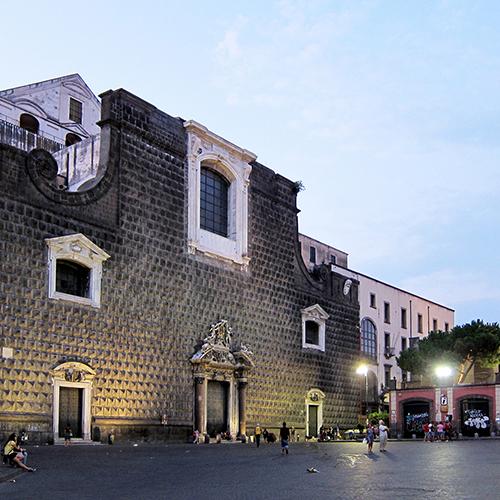 piazza-del-gesù-02